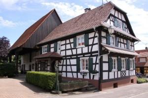maisons nord de l'Alsace + vitres bombées  (1)