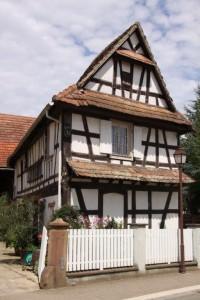 maisons nord de l'Alsace + vitres bombées  (2)