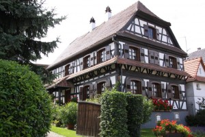 maisons nord de l'Alsace + vitres bombées  (3)