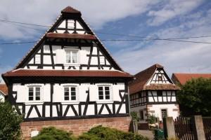 maisons nord de l'Alsace + vitres bombées  (8)