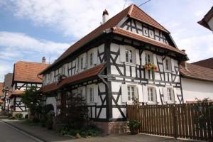 maisons nord de l'Alsace + vitres bombées  (9)